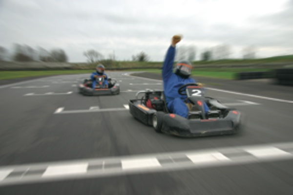 winners-race-at-zone-motorsport-karting-banbury